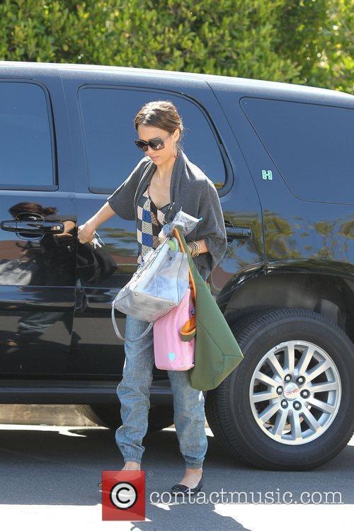 Jessica Alba prepares to leave the family home...