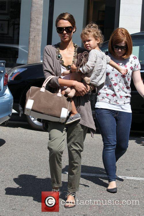 Jessica Alba and her daughter Honor Marie Warren go shopping in Beverly Hills 10
