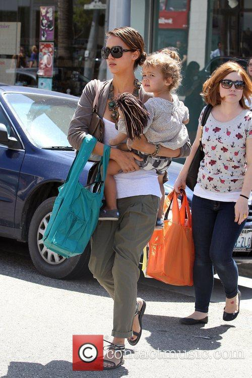 Jessica Alba and her daughter Honor Marie Warren go shopping in Beverly Hills 15
