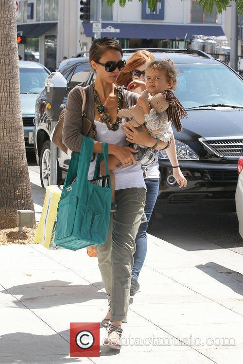 Jessica Alba and her daughter Honor Marie Warren go shopping in Beverly Hills 8