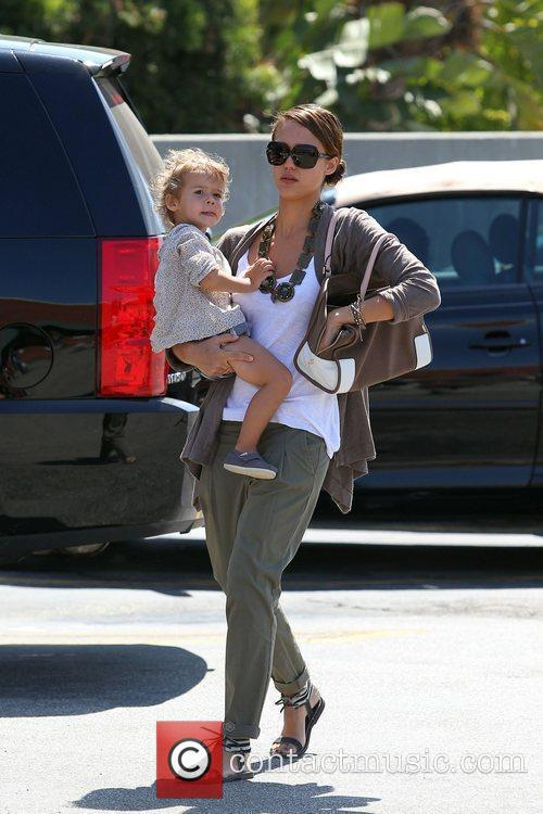 Jessica Alba and her daughter Honor Marie Warren go shopping in Beverly Hills 16