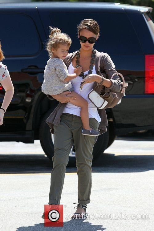 Jessica Alba and her daughter Honor Marie Warren go shopping in Beverly Hills 9