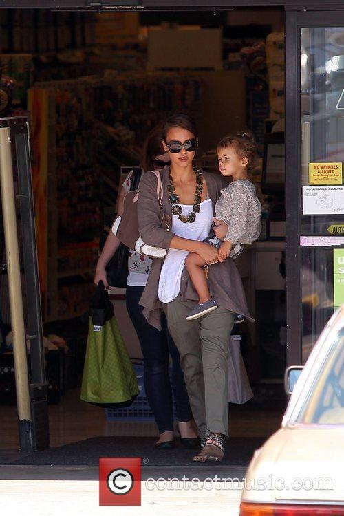 Jessica Alba and Her Daughter Honor Marie Warren Go Shopping At Rite Aid In Beverly Hills 8