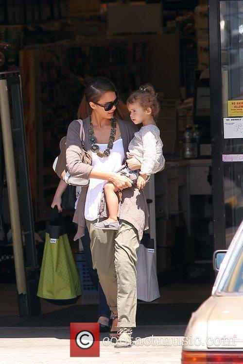 Jessica Alba and her daughter Honor Marie Warren go shopping at Rite Aid in Beverly Hills 5