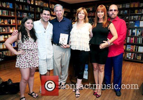 Allyson Shapiro, Seth Ginsberg, Sol Kamen, Lisa Wexler,...