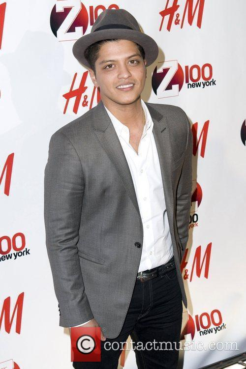 Bruno Mars Z 100 39 S Jingle Ball 2010 Presented By H M At Madison Square Garden Arrivals 2