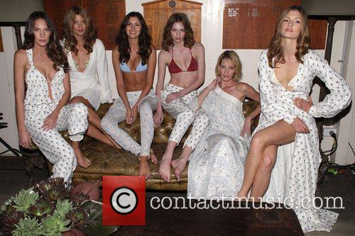 Models and Jodhi Meares 7