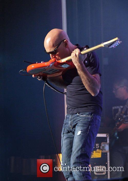 Joe Satriani 9