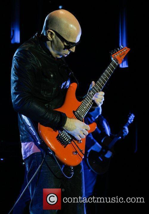 Joe Satriani 22