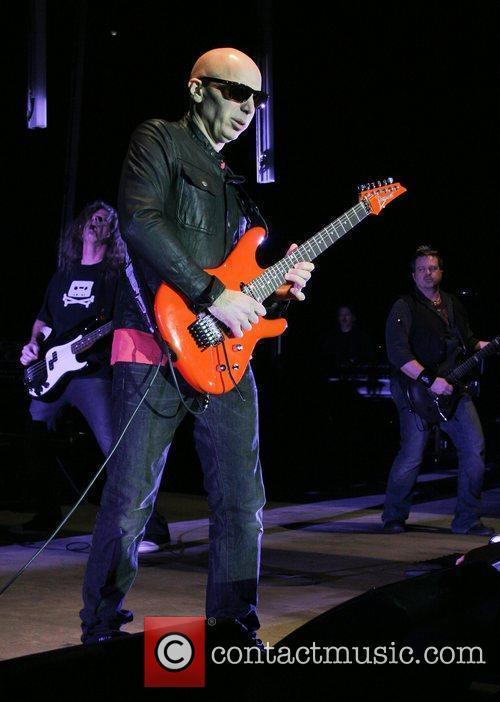 Joe Satriani 18