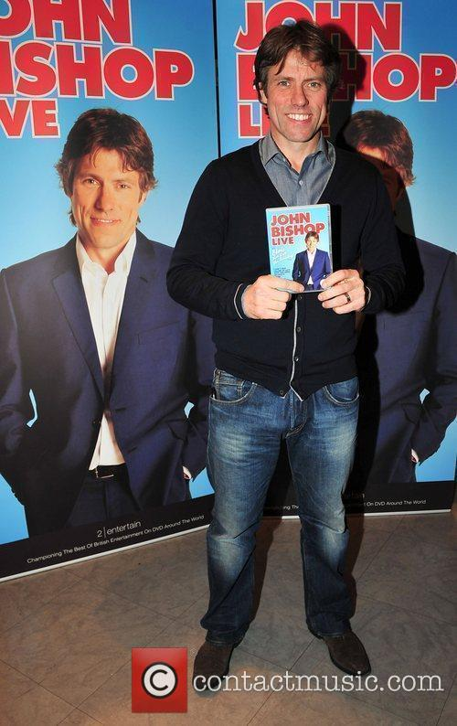 Promotes and signs copies of his new DVD...