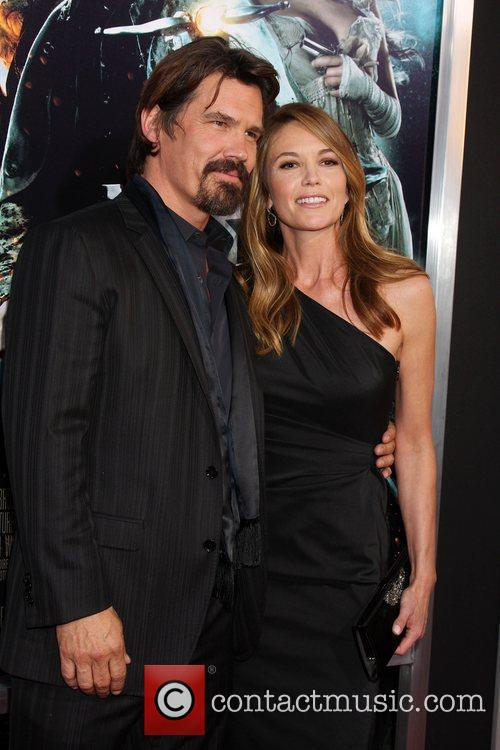 Josh Brolin and Diane Lane 5