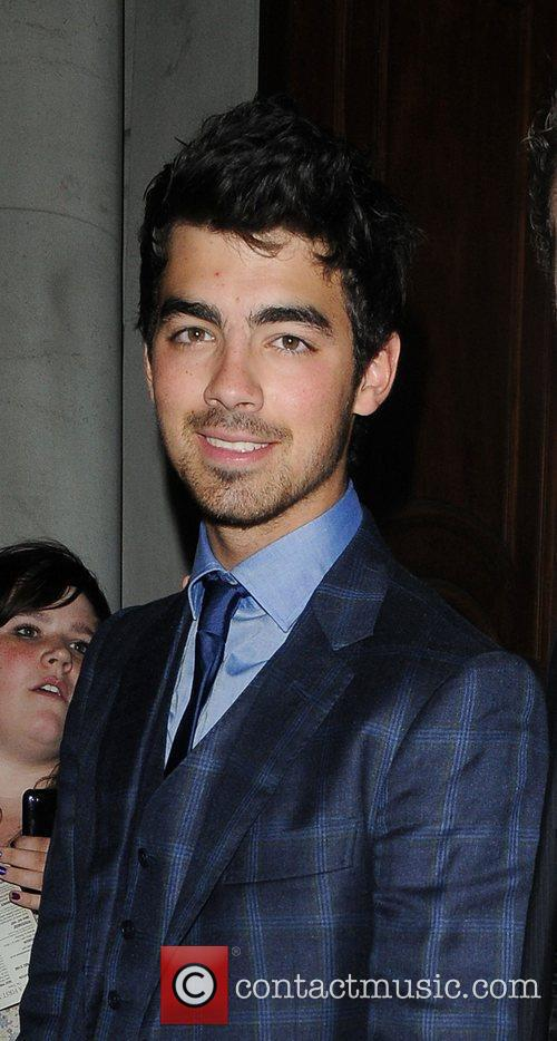 Joe Jonas, Jonas Brothers, Les Miserables, Nick Jonas and Queen 7