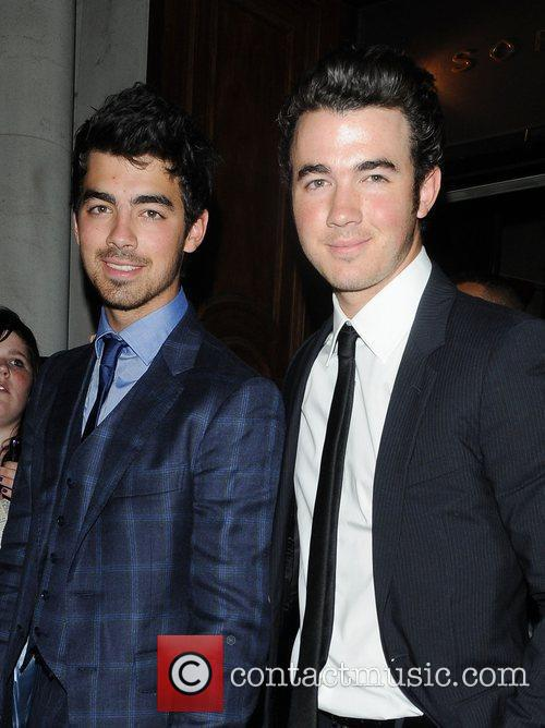 Joe Jonas, Jonas Brothers, Kevin Jonas, Les Miserables, Nick Jonas and Queen 4