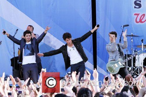 Joe Jonas and Jonas Brothers 1
