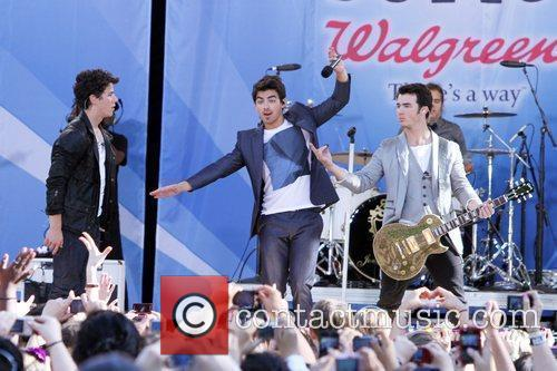 Nick Jonas and Jonas Brothers 4