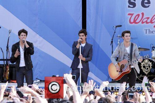 Nick Jonas and Jonas Brothers 2