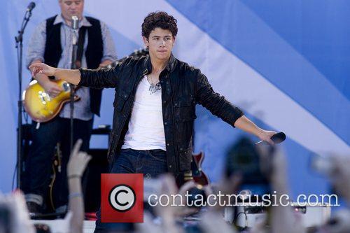 Nick Jonas and Jonas Brothers 5