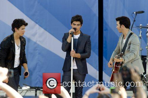 Nick Jonas and Jonas Brothers 8