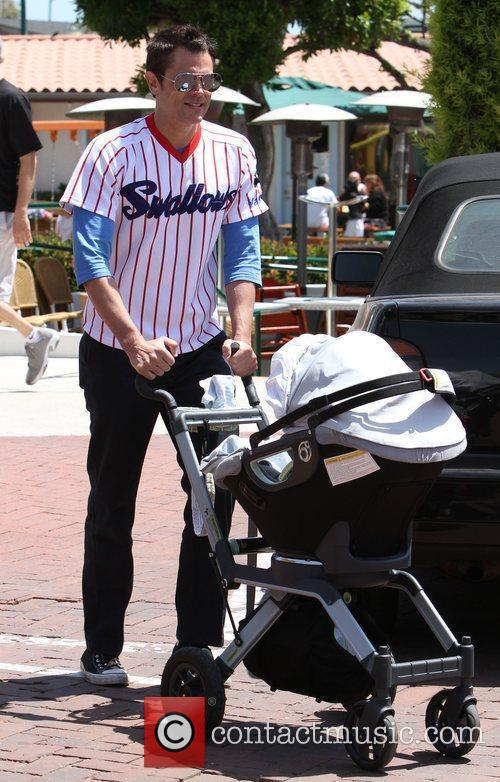 Picture - Johnny Knoxville  his child Rocko Akira Clapp out and about    Johnny Knoxville Rocko