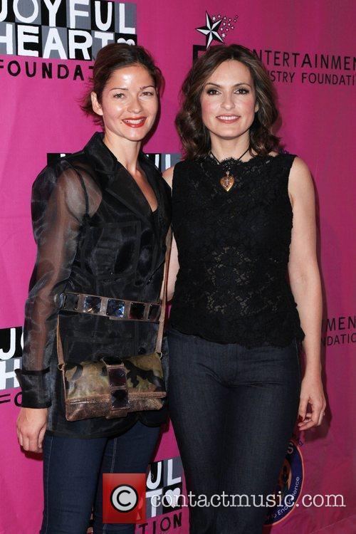 Jill Hennessy and Mariska Hargitay 4