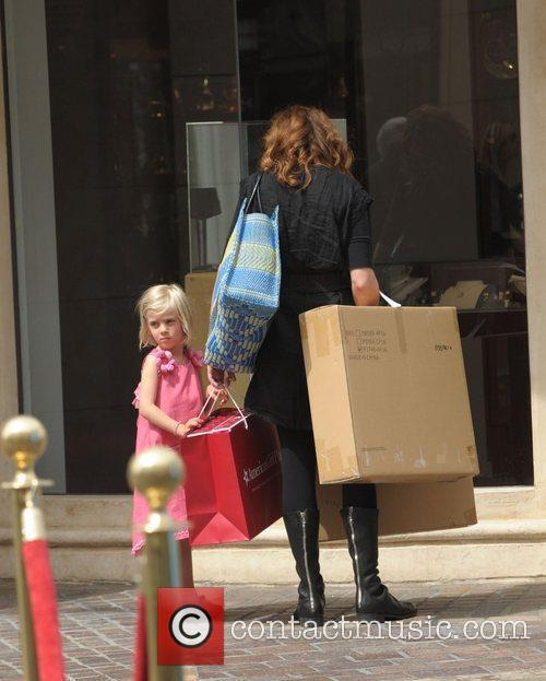 Julia Roberts and With Daughter Hazel 5