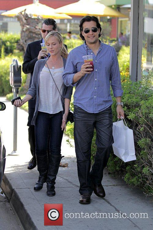 'Desperate Housewives' star Julie Benz is in good...