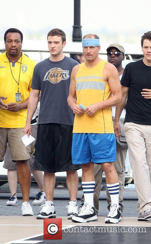 Justin Timberlake and Woody Harrelson play basketball on...