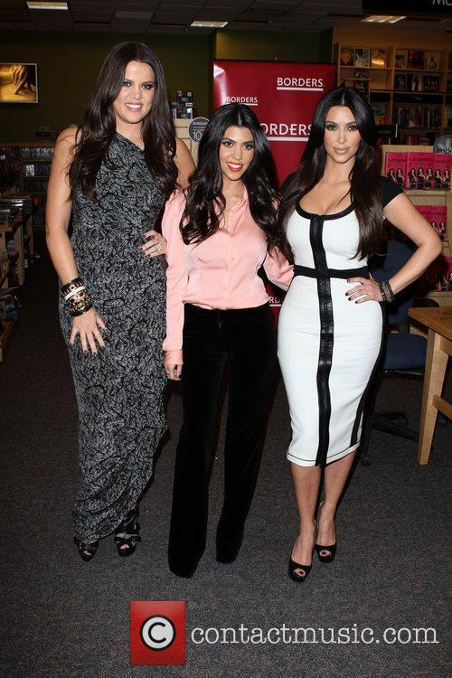Khloe Kardashian, Kim Kardashian and Kourtney Kardashian 1