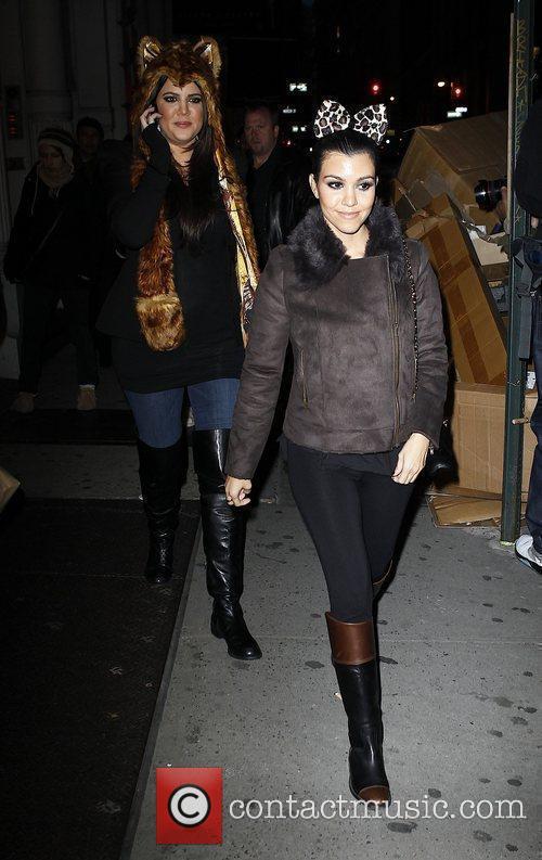 Khloe Kardashian and Kourtney Kardashian 8