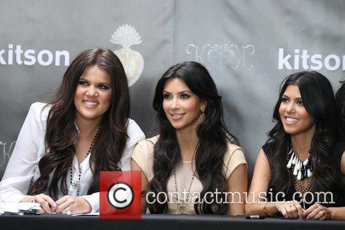 Khloe Kardashian, Kim Kardashian and Kourtney Kardashian 3