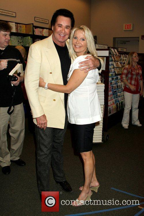 Wayne Newton and Kathleen Newton 3