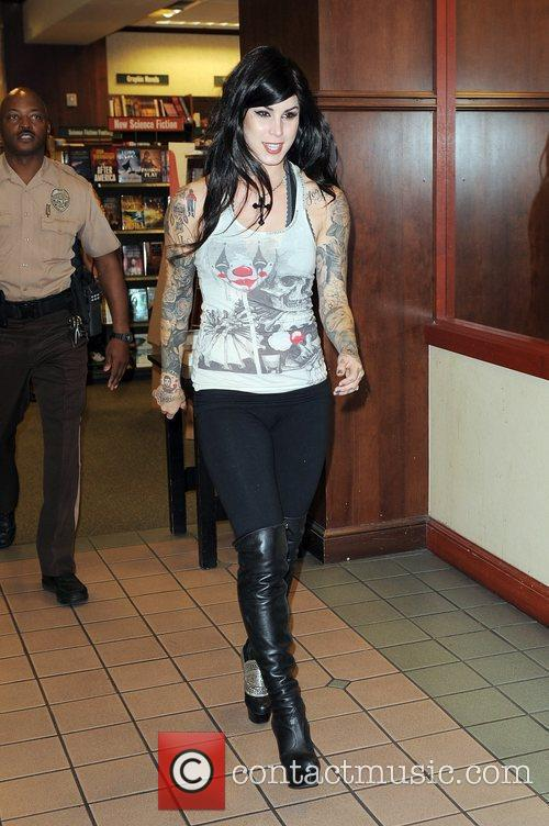 Kat Von D and Tattoo 5