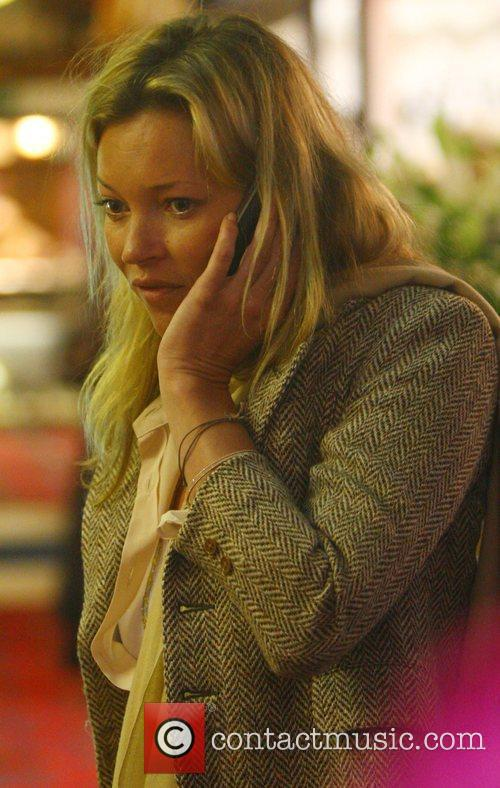 Kate Moss spotted shopping at a Jewellery Store...