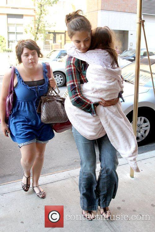 Isabella Cruise and Katie Holmes 8