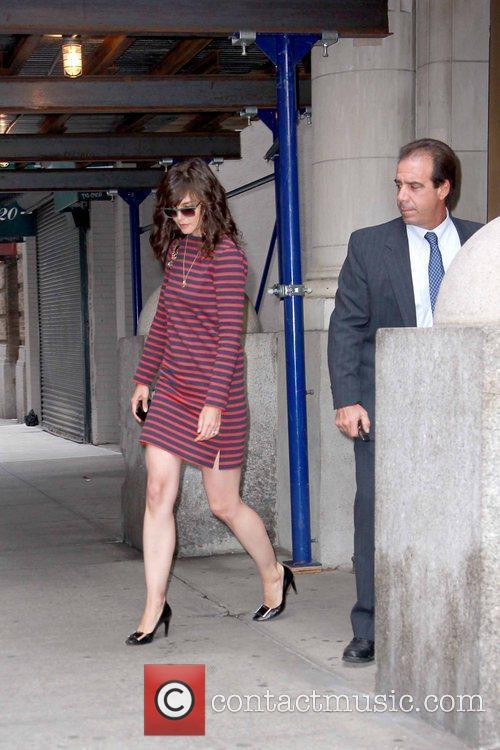 Katie Holmes leaving her Manhattan apartment wearing a...