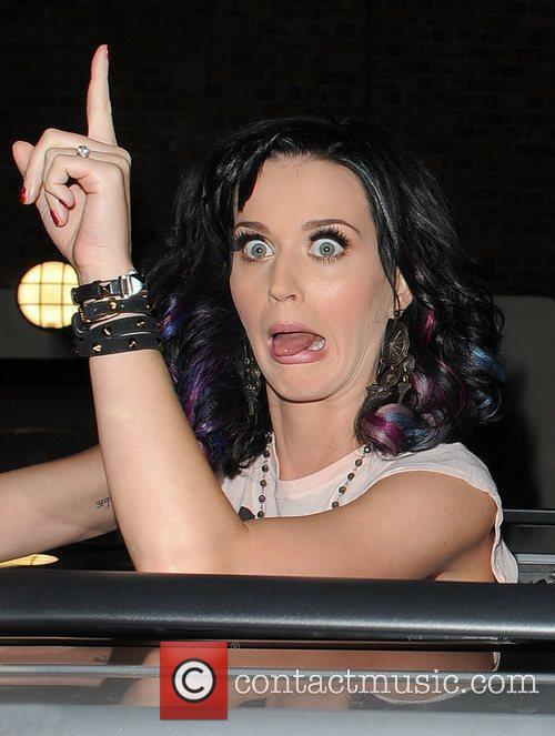 Katy Perry, Alan Carr and Russell Brand 27
