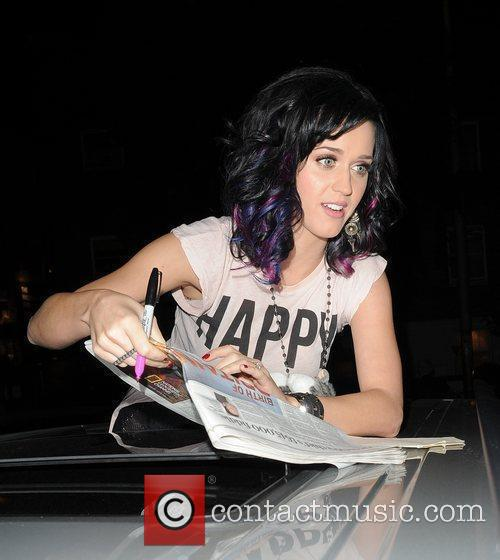Katy Perry, Alan Carr and Russell Brand 18