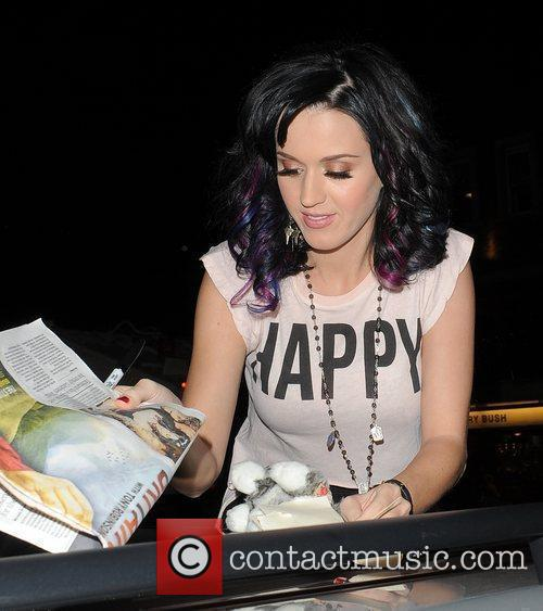 Katy Perry, Alan Carr and Russell Brand 8