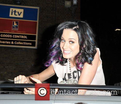 Katy Perry and Alan Carr 6