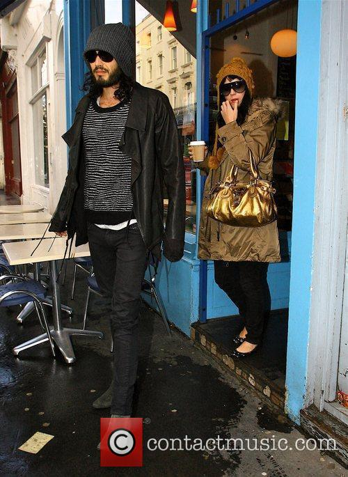 Russell Brand and Katy Perry leave a cafe...
