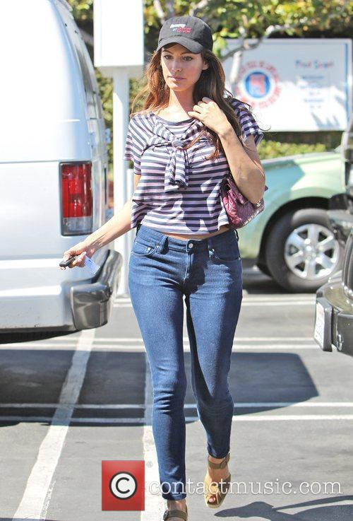 Is seen leaving Fred Segal after having lunch...