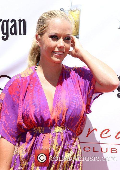 Kendra Wilkinson and Las Vegas 1