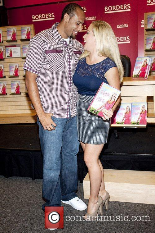 Kendra Wilkinson and husband Hank Baskett 1