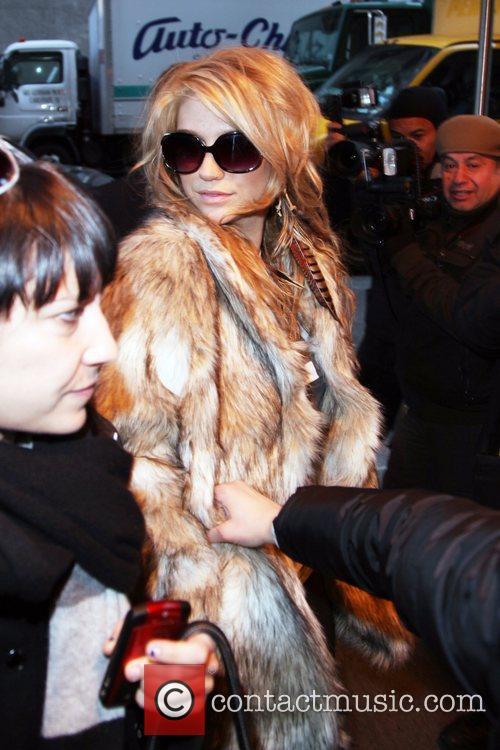 Ke$ha arrives at her Manhattan hotel
