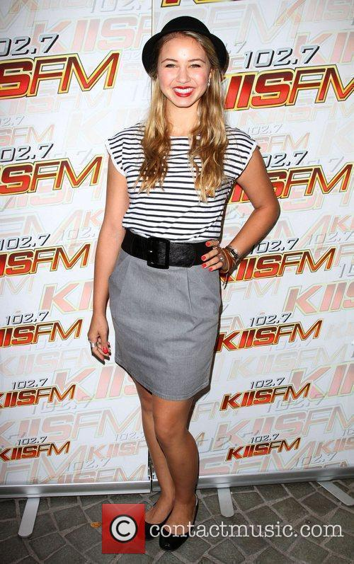102.7 Kiis Fm Teens Choice Awards 2010 Lounge...