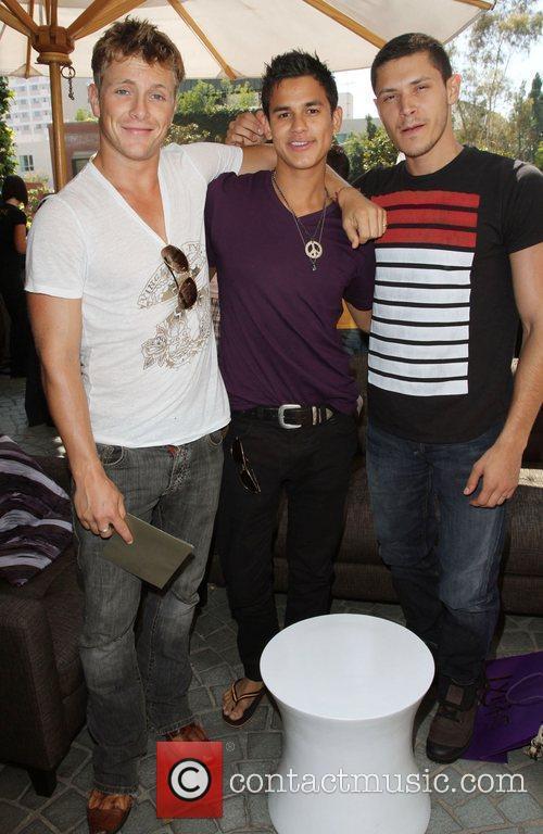 Xavier Samuel, Bronson Pelletier and Alex Meraz 6