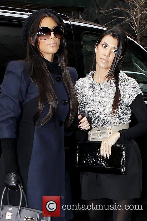 Kim Kardashian and Kourtney Kardashian 4