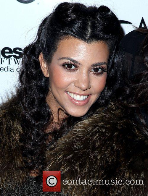 Kourtney Kardashian, Kim Kardashian and Las Vegas 1