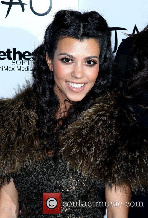Kourtney Kardashian, Kim Kardashian and Las Vegas 6